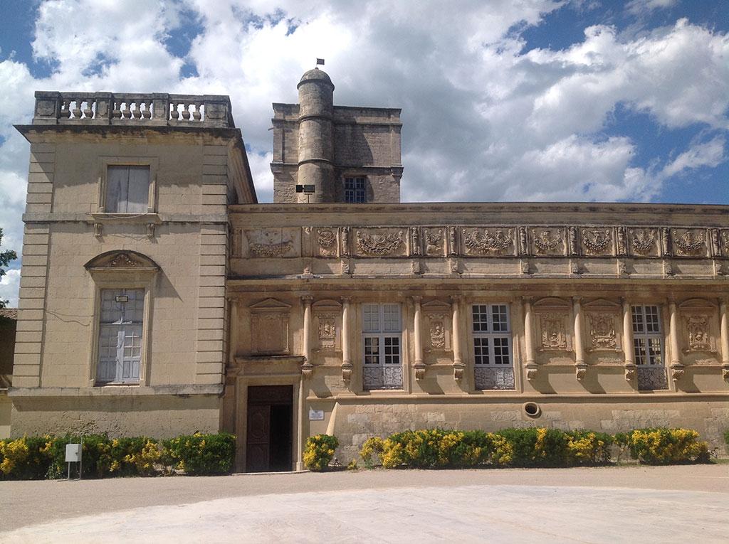 Le magnifique château de Massillargues (Gard)