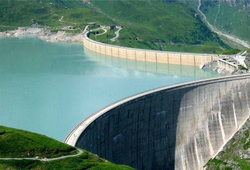 L'électricité d'origine hydraulique.