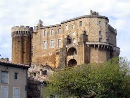 Châteaux médiévaux et villages fortifiés dans la Drôme méridionale, par Alain TILLIER, jeudi 16.10 à 16 h 30 à DIEULEFIT SANTE.