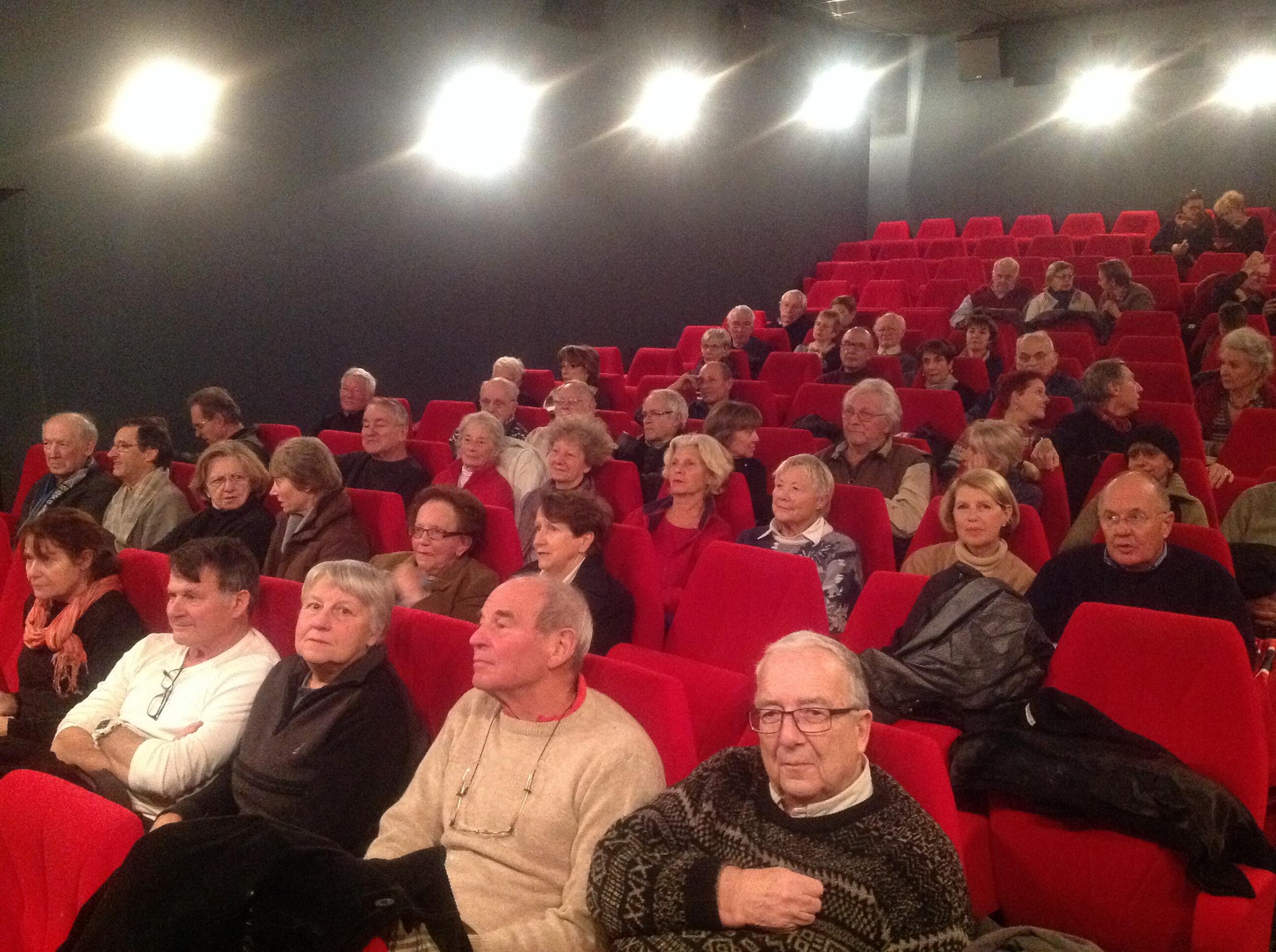 Le 11.12.2014, au Labor, un auditoire attentif pour Sophie BESSIS.