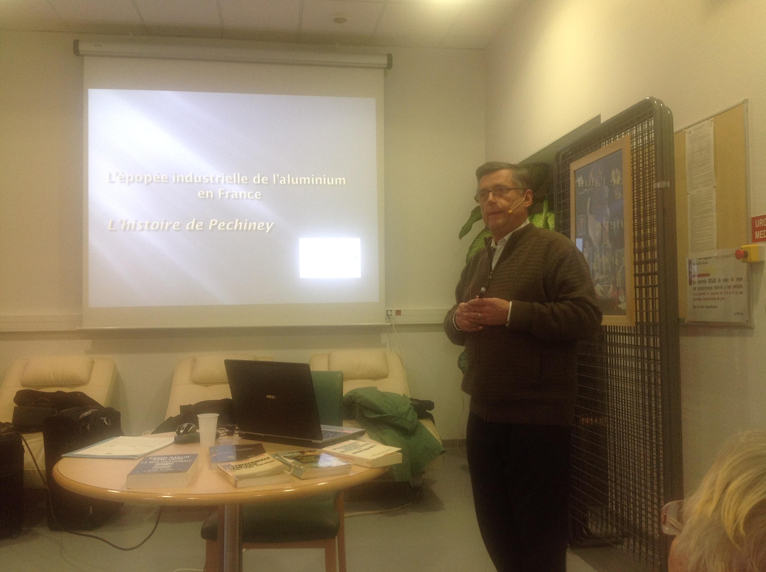 Patrice NATIER nous a conté l'histoire de PECHINEY, suivie d'échanges interessants.