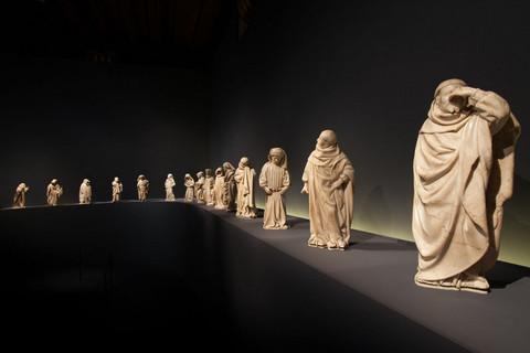 A l'occasion des travaux de rénovation du musée de DIJON, en 2010, les pleurants du tombeau de Jean Sans Peur et de son épouse, Marguerite de Bavière, ont fait une tournée internationale par les états-Unis, Bruges, Berlin et Paris ainsi qu'à Dijon.