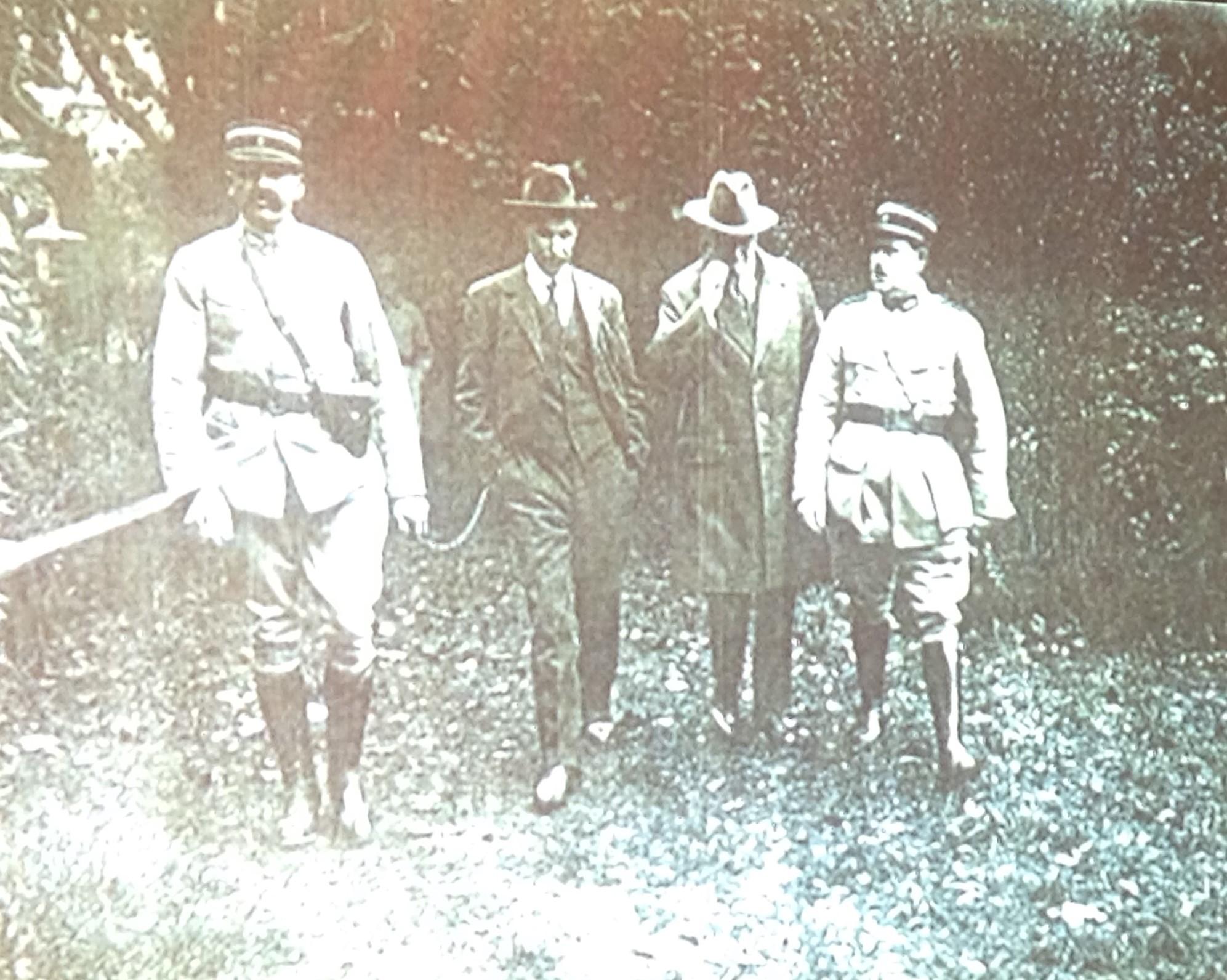 Guillaume SEZNEC emmené par les gendarmes