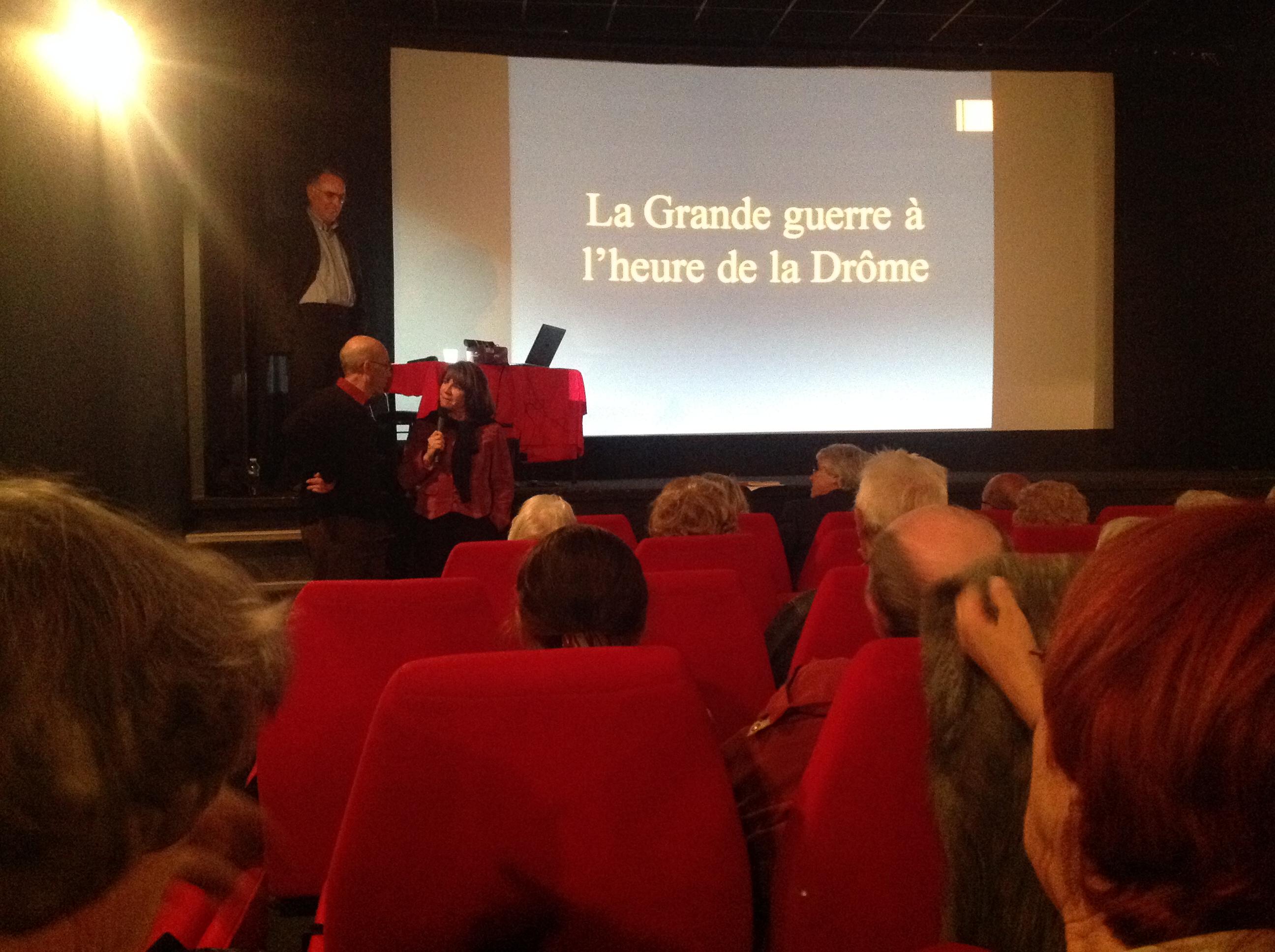 Françoise BARNIER (PMH) Jean-Marc FOURNIER (LSP) en partenariat pour une conférence sur la guerre de 14/18 animé par Alain SAUGER, devant un public nombreux.,