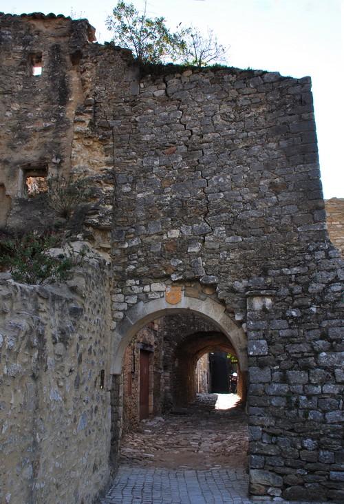 """Une des nombreuses """"portes"""" du village."""