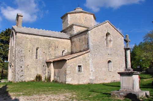 L'église Saint Pierre de Larnas